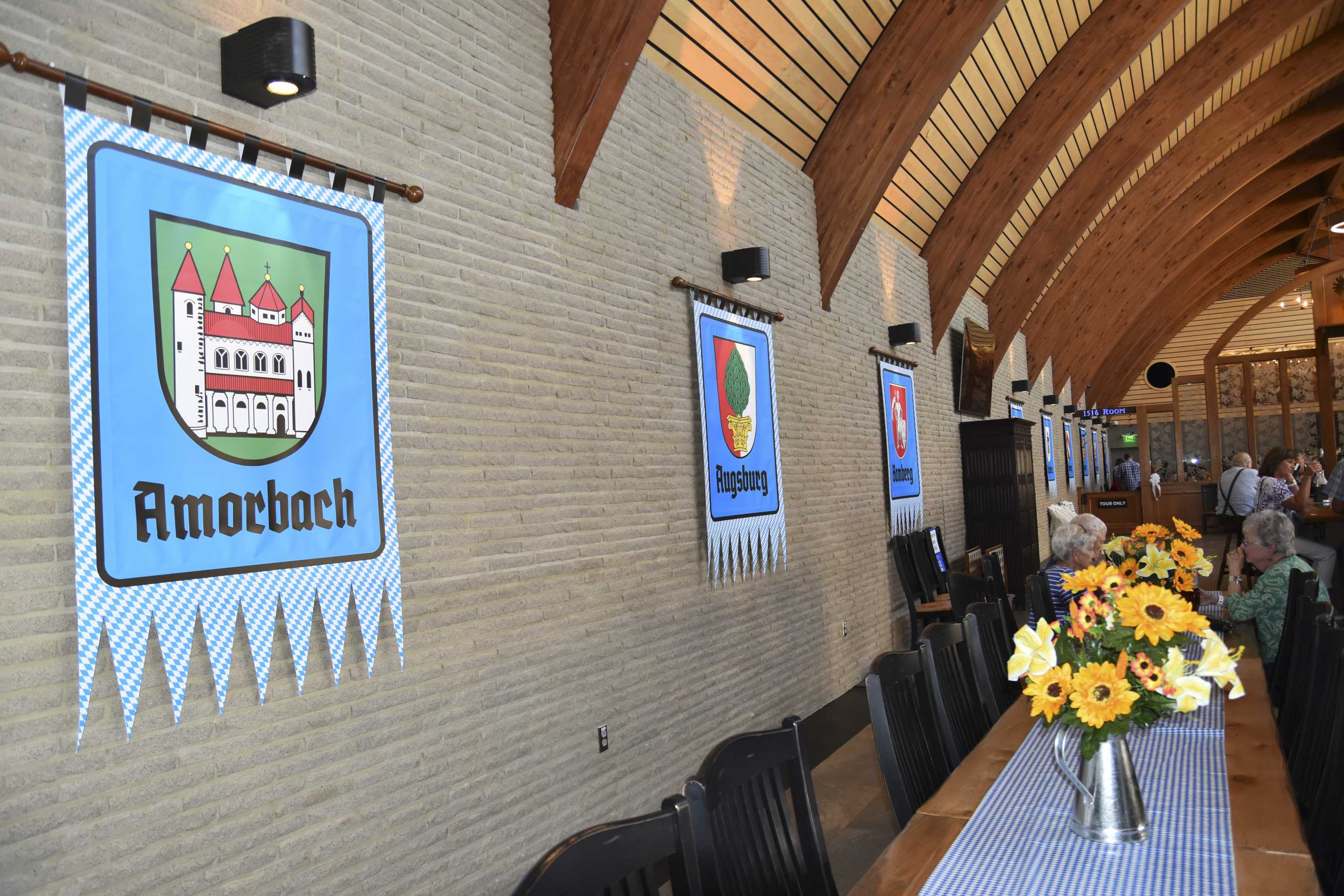 Lager Haus banners (1)
